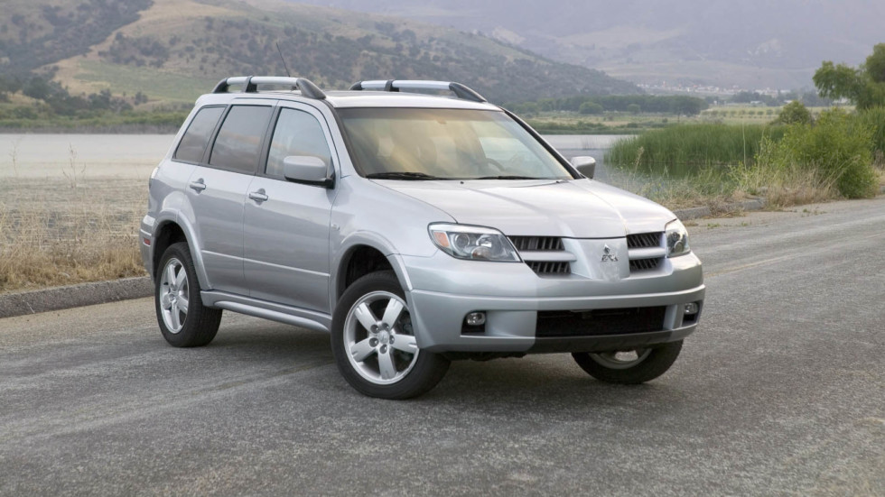 Mitsubishi Outlander '2001–07