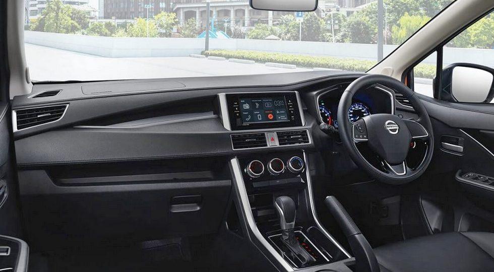 Клон кроссвэна Mitsubishi Xpander от Nissan: мотор и оборудование те же, а цены – ниже