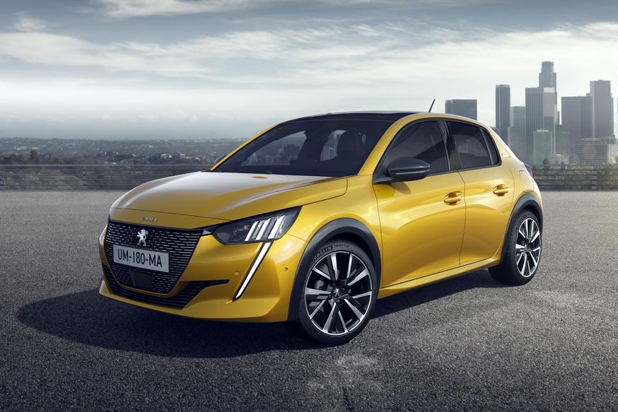 Бестселлер Peugeot сменил поколение: теперь не только бензин или дизель, но и электроверсия