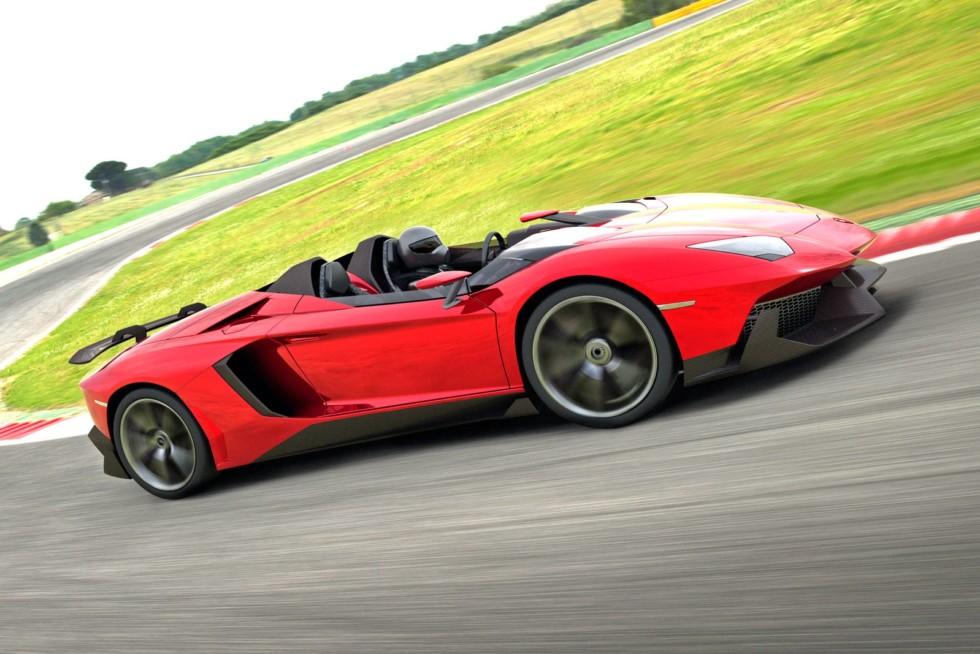 Сила Уруса: Lamborghini отчиталась о рекордных продажах и готовит новую модель