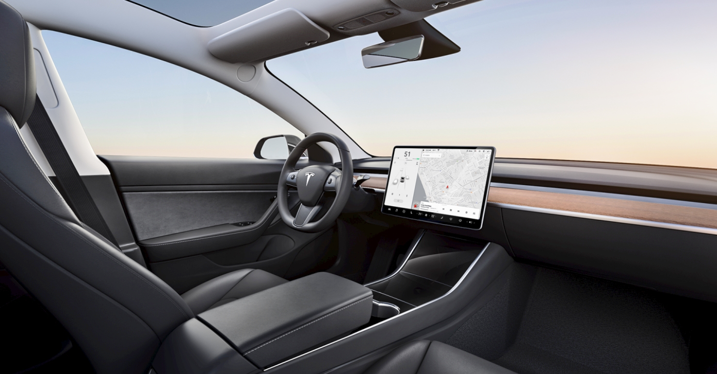 Tesla идёт в народ: бюджетная Model 3 поступила в продажу
