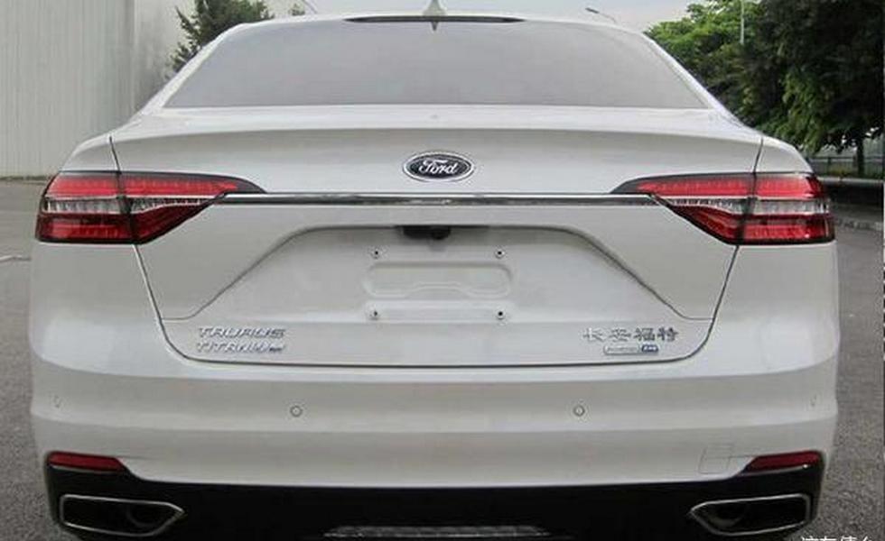 Обновленный Ford Taurus для Китая