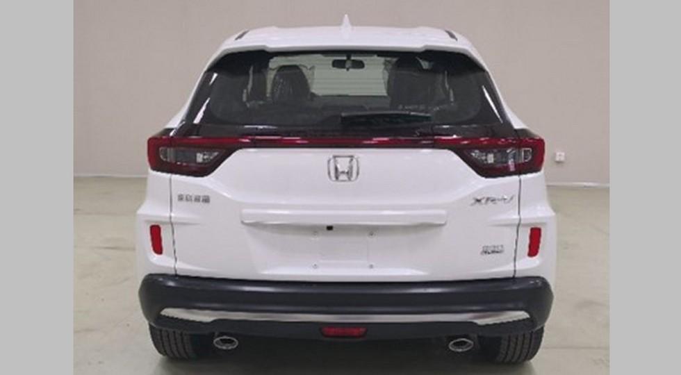 Более удачливый близнец паркетника Honda HR-V: другой декор и турбомотор