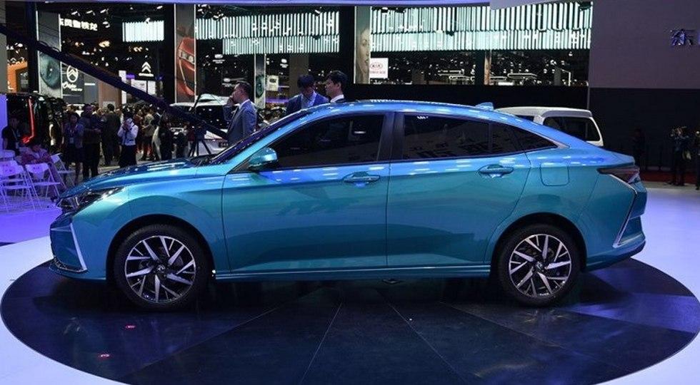 Новый седан Dongfeng: родня Peugeot 208 и будущей Opel Corsa