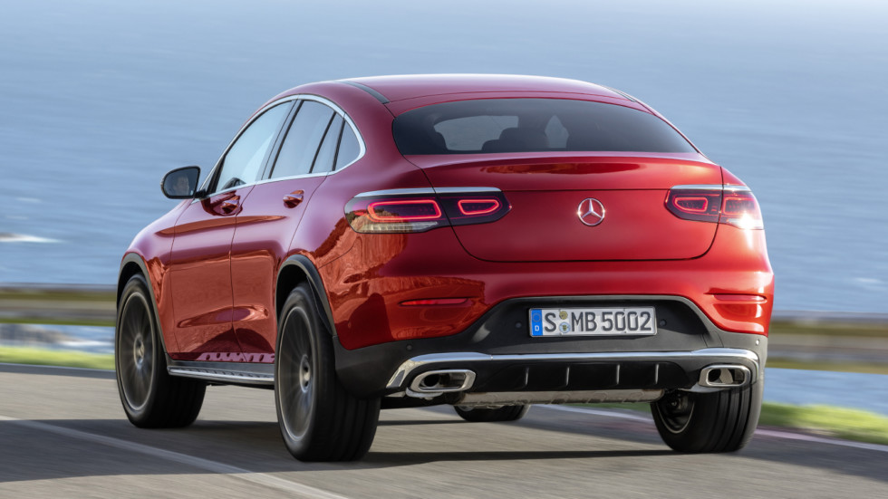 mercedes-benz_glc_300_4matic_coupe_amg_line_27