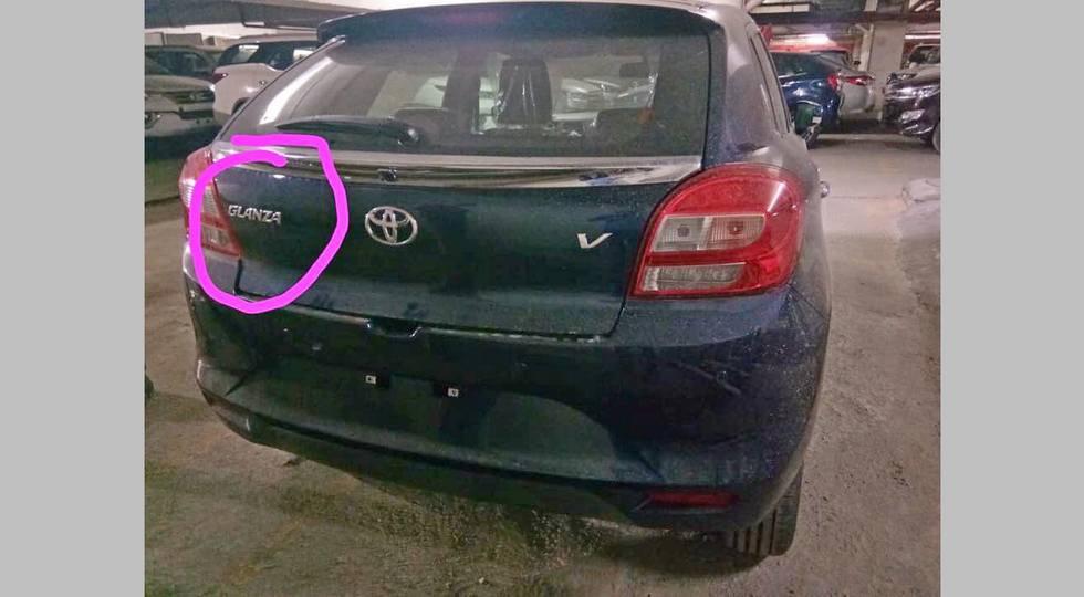 Не заморачивались: новая Toyota Glanza почти полностью скопировала хэтч Suzuki