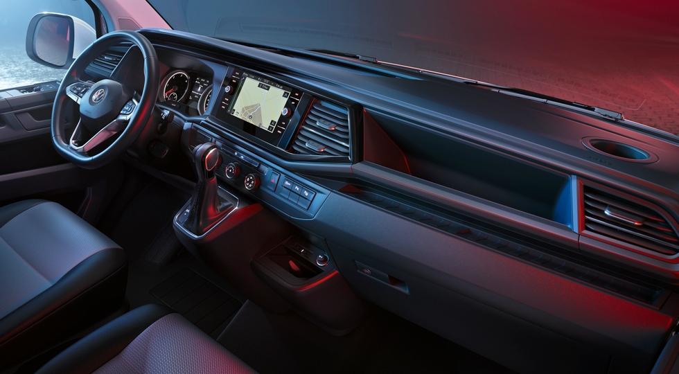 VW Transporter стал богаче, но кое-какие фишки от Multivan ему не достались