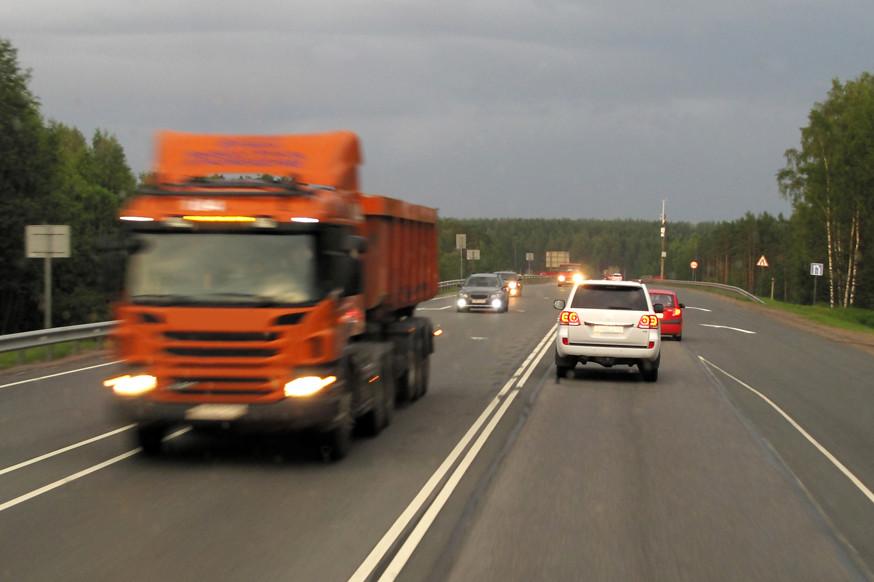 Для нужд уставших: на российских трассах появятся новые площадки для отдыха водителей