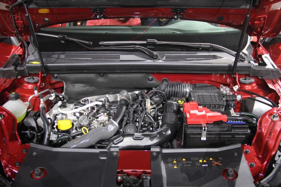 Renault Arkana: старт продаж с дорогих версий, «дубовый» салон и «китайцы» в игноре