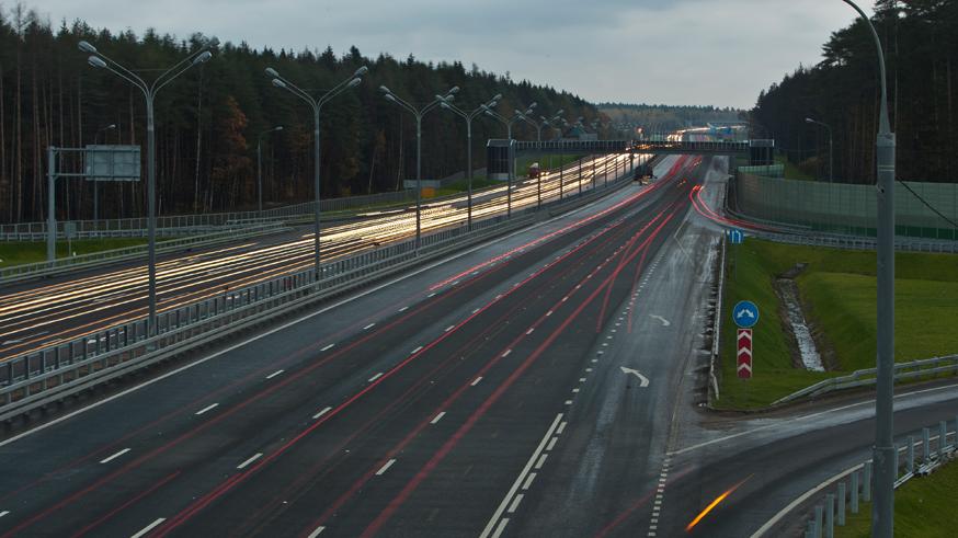 Власти решили, что рекламные щиты не мешают дорожному движению