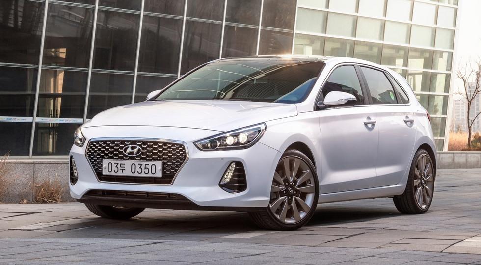 Теряющему покупателей Hyundai i30 снова подправили «личико»