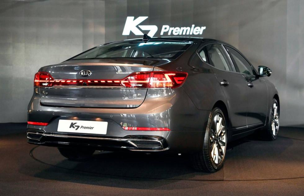 Kia K7 Premier: последний рестайлинг бесперспективной модели