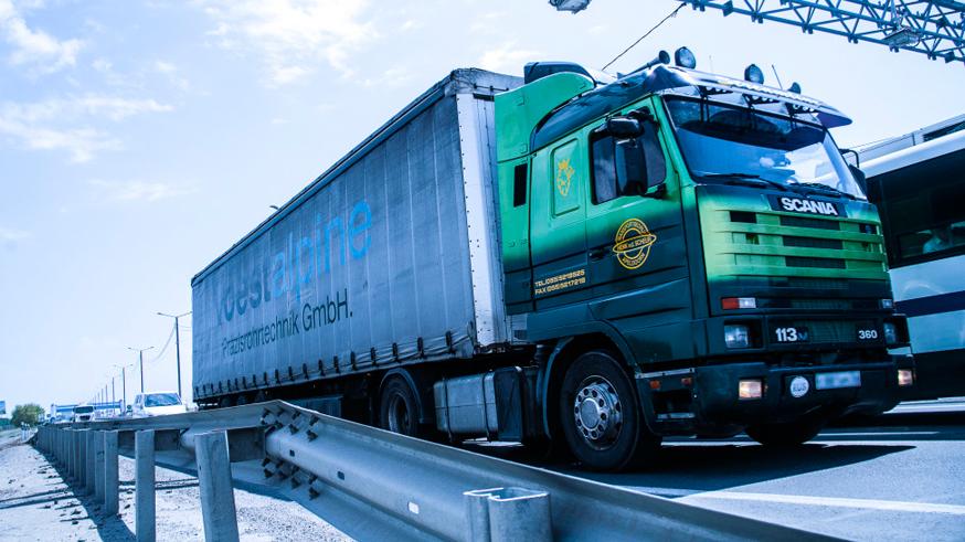 Проезд по трассам подорожает для водителей грузовиков