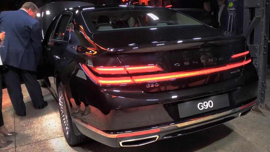 Объявлены цены на обновленный Genesis G90
