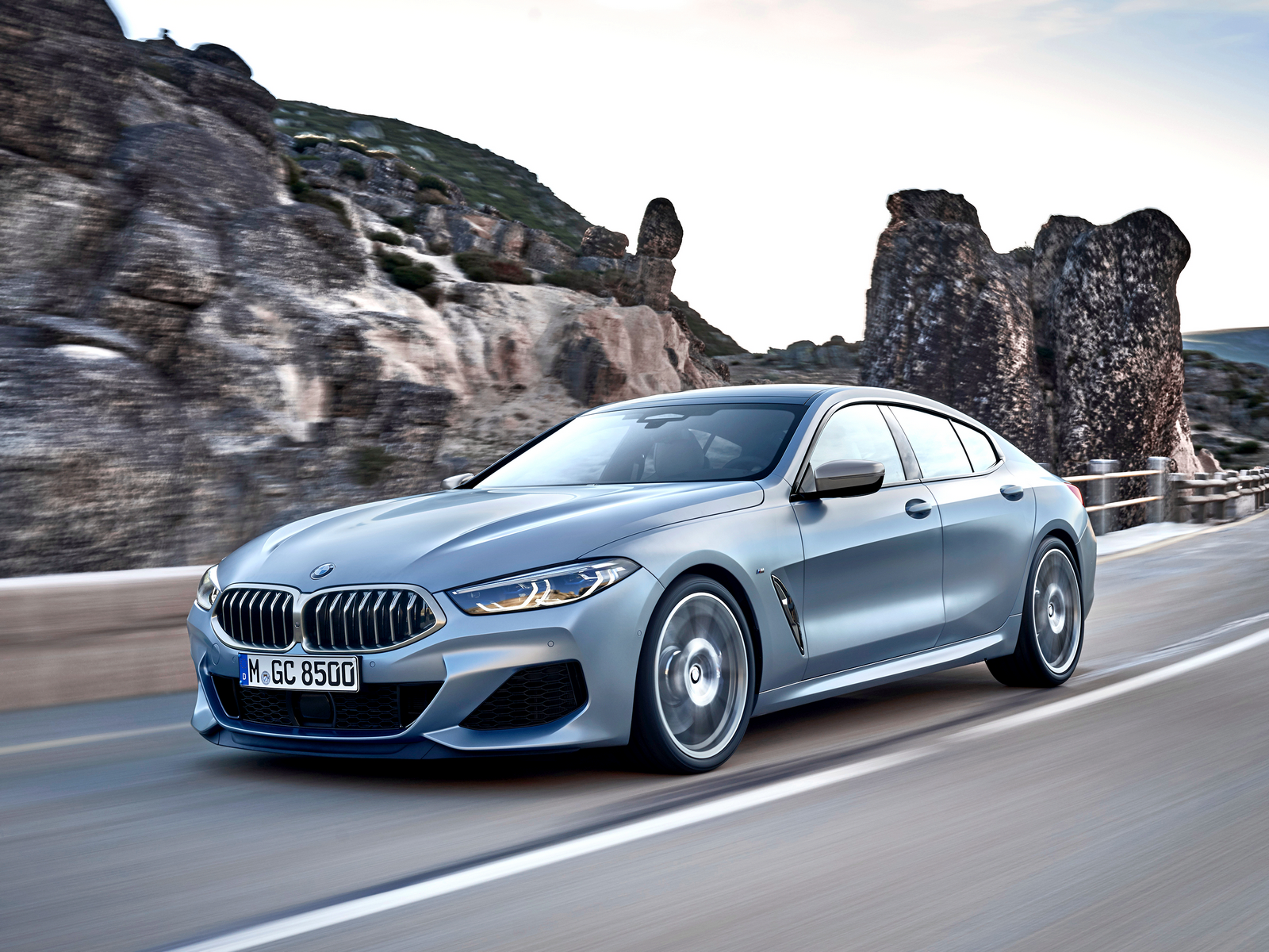 BMW 8 Series Gran Coupe: четыре двери, растянутая база и 2,5 пассажира во втором ряду