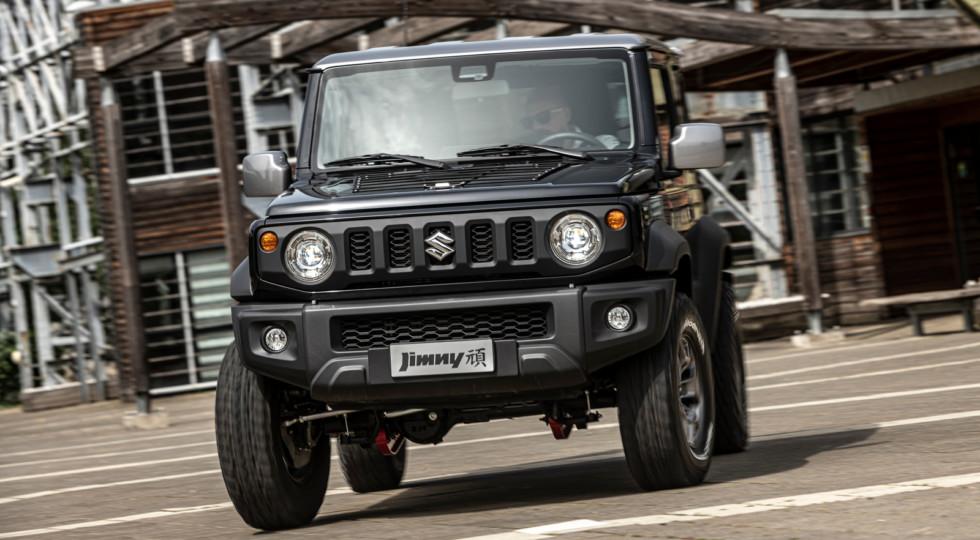 Suzuki дополнительно приподняла новый Jimny: 310 мм над землёй!