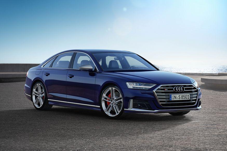 Новому седану Audi S8 не достался дизель. Зато растянутую версию тоже «зарядили»