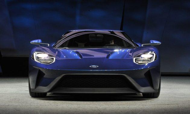 Они побили Феррари (Ferrari): новый Ford GT (Форд GT) и два его предшественника