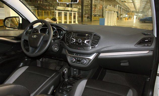 Салон почти серийной Lada Vesta рассекретили в Сети