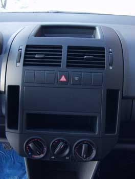 Volkswagen Polo 1.4 16V Basis / 9