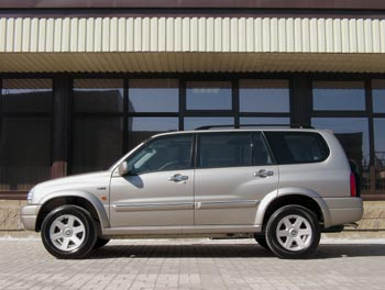 Suzuki Grand Vitara XL-7 / 1