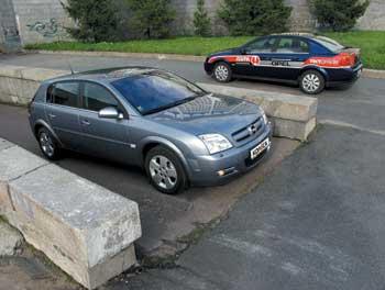 Opel Signum 2.2 Direct Elegance и Opel Vectra 2.2 Elegance