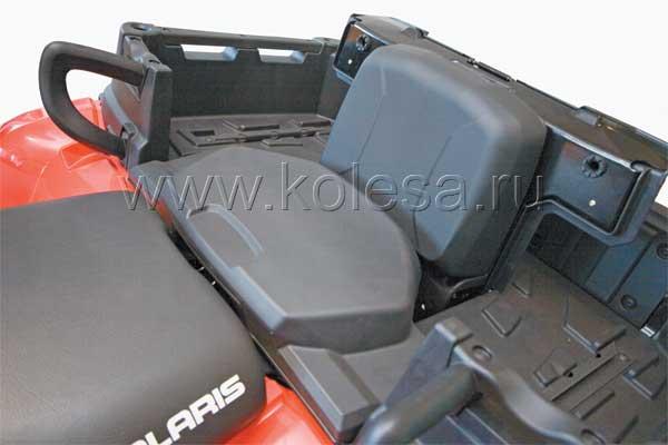 Удобная трансформация сиденья позволяет путешествовать на этой модели вдвоем