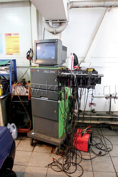 Гидравлический подъемник, стенды электронной  диагностики, проверки тормозов и установки  развала-схождения – это вооружение фирменной  станции, позволяющее не пропустить ни одной  мелочи и провести подготовку по полной программе