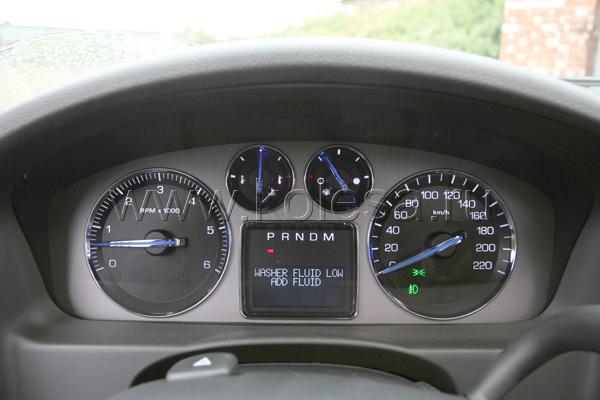 Экран бортового компьютера через  10 мин после включения двигателя  показал 45 л/100 км!