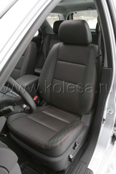 Водительское сиденье - не эталон, но вполне удобное