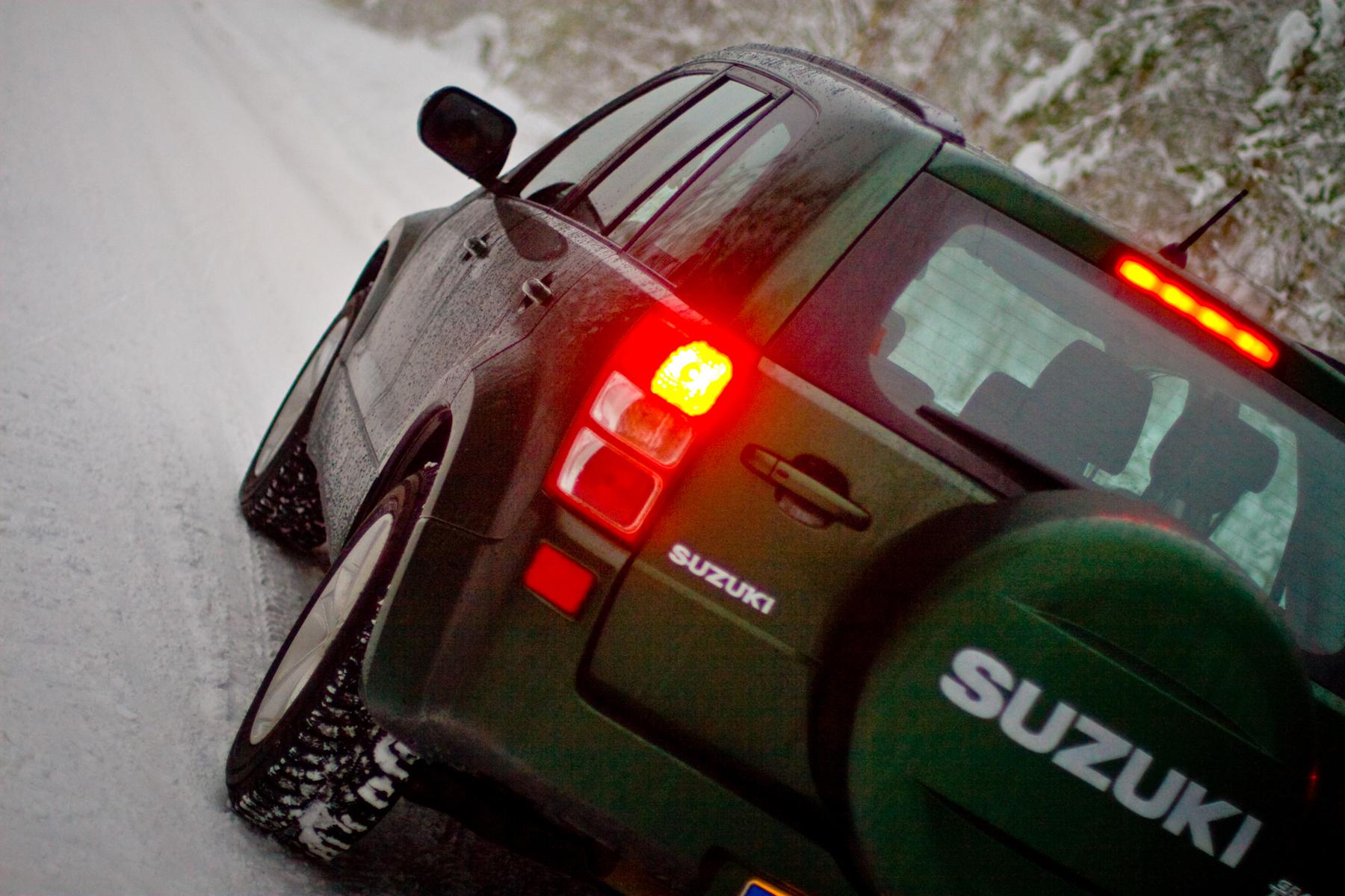 Тест-драйв Suzuki Grand Vitara (Сузуки Гранд Витара ): практичность и надежность