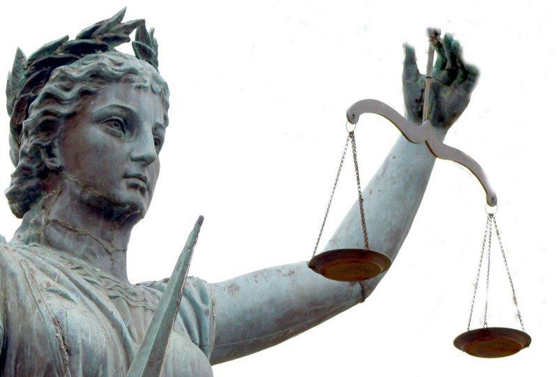 Имеют ли право за неуплату налогов арестовать автомобиль