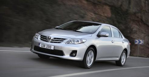 Toyota corolla тест драйв renault fluence тест