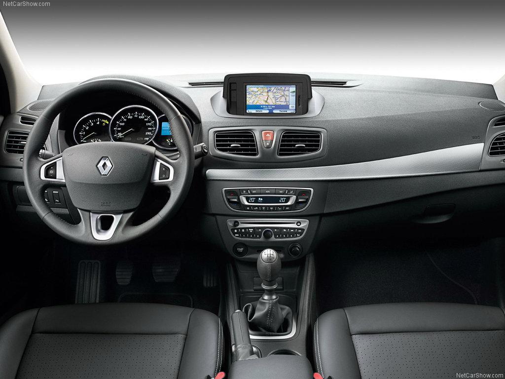 Салон Renault Fluence