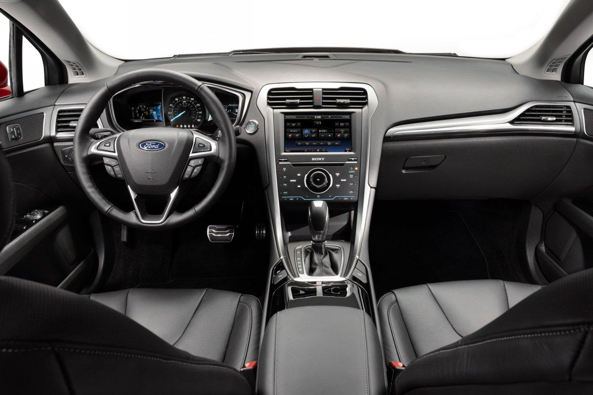 Ford Mondeo/Fusion: интерьер