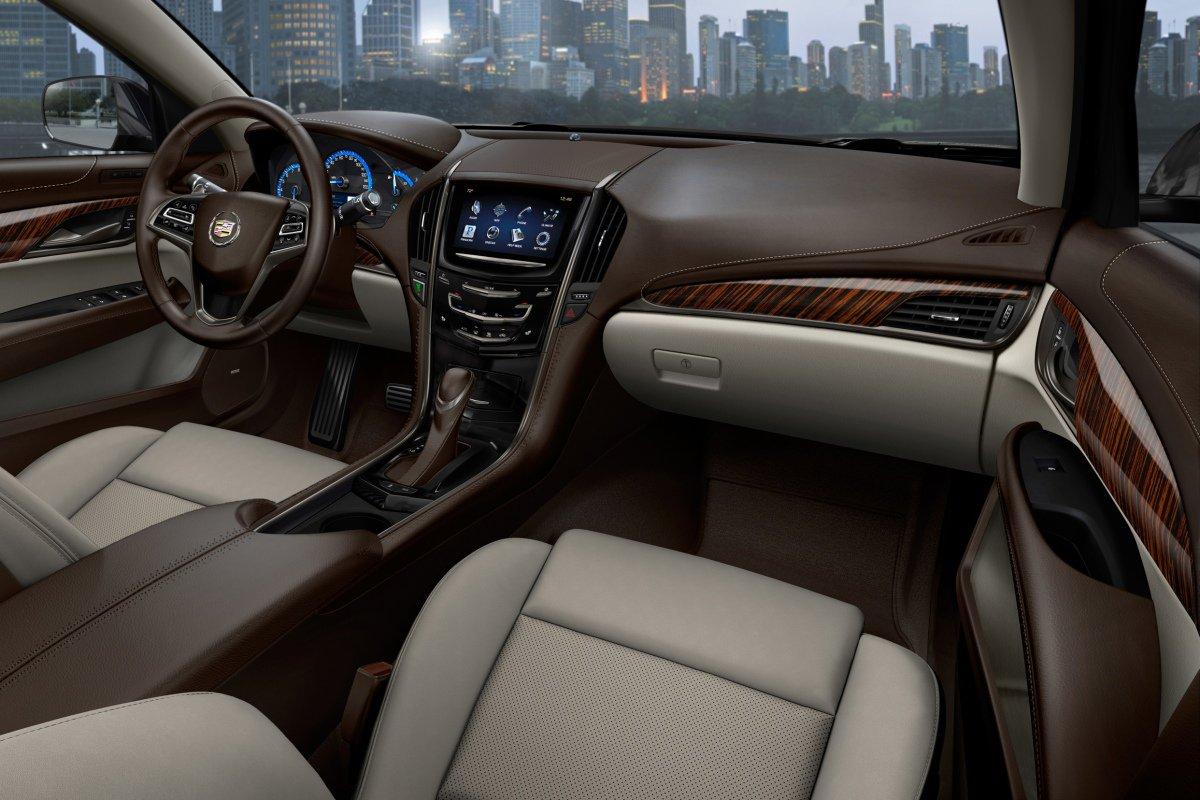Cadillac ATS: интерьер