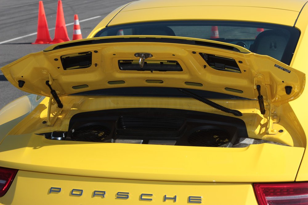 """Так выглядит """"моторный отсек"""" Porsche 911"""