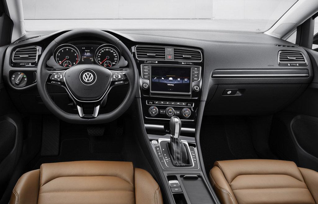 Volkswagen Golf VII. Интерьер
