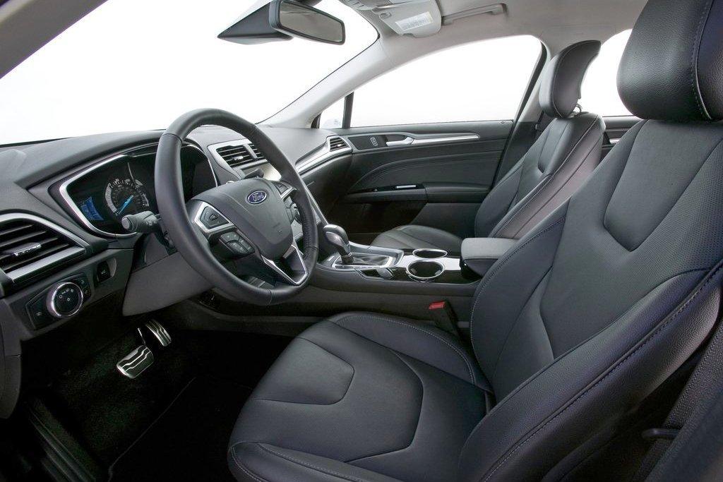 Интерьер Ford Mondeo 2013
