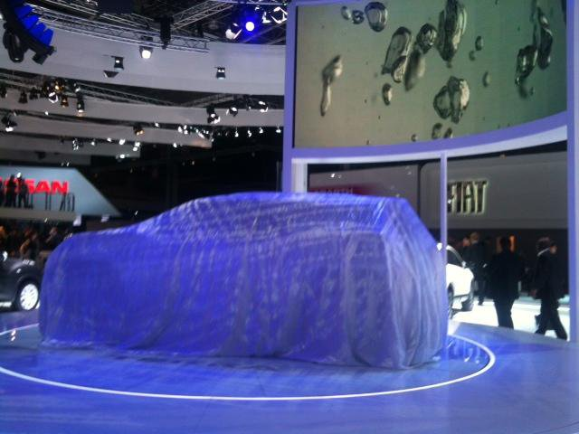 Nissan Murano под покрывалом
