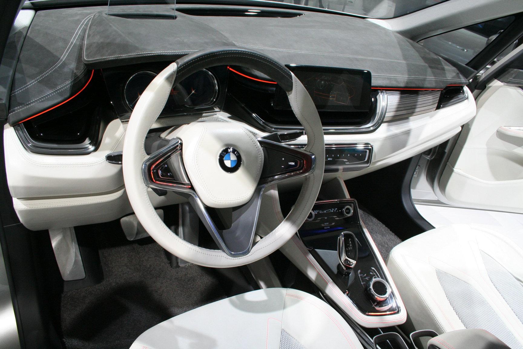 BMW Active Tourer переднеприводный интерьер
