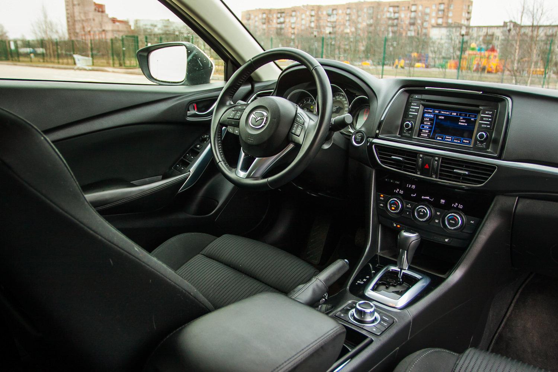 Интерьер Mazda6 2012