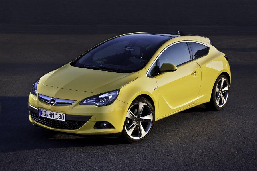 Opel astra gtc photos