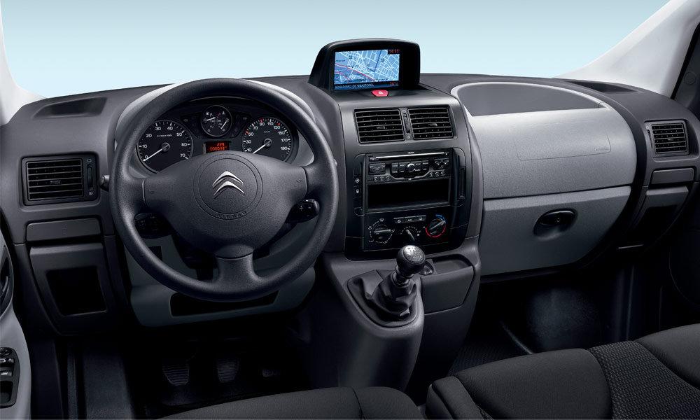 Citroen раскрыл рублевый ценник нового фургона