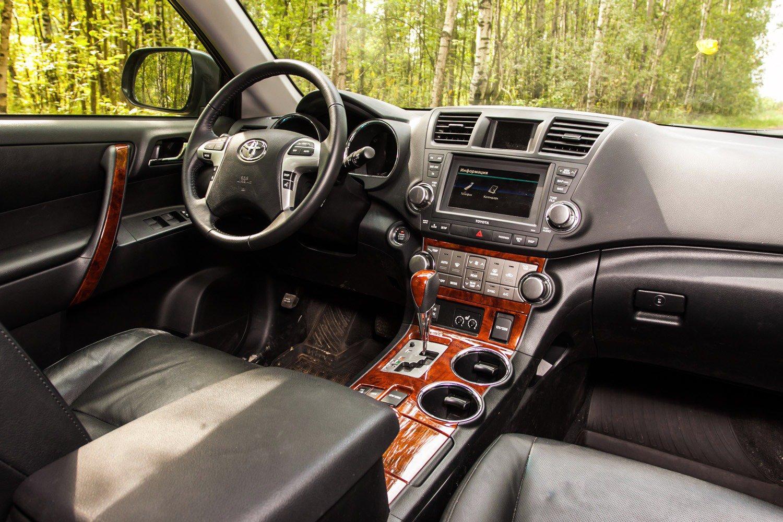 Интерьер Toyota Highlander