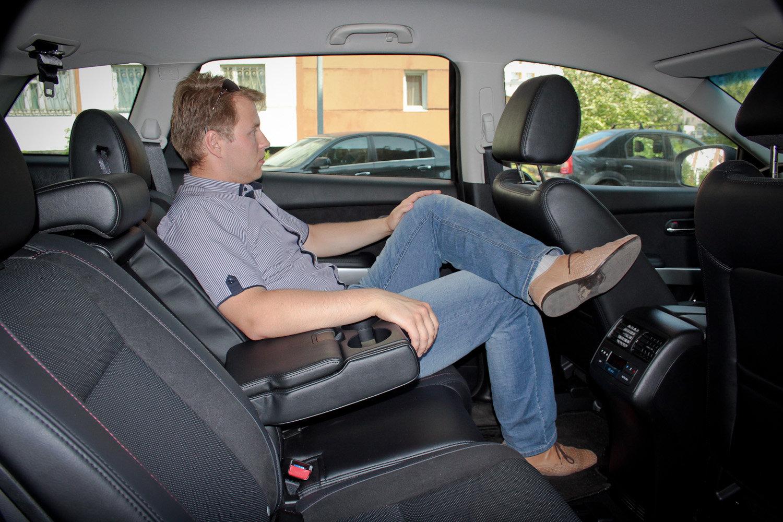 Второй ряд сидений Mazda CX-9