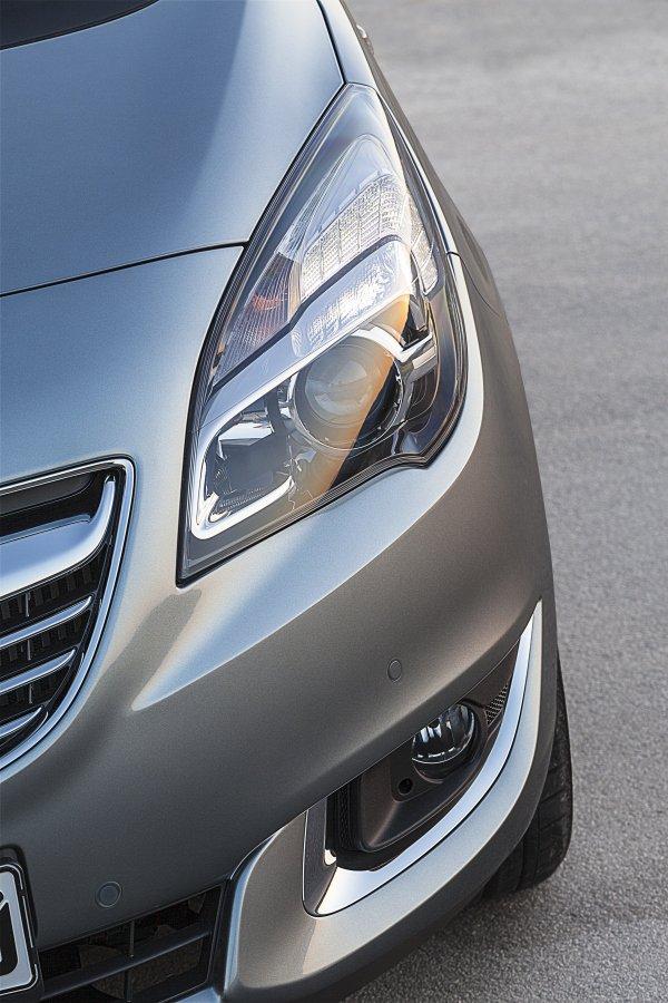 Opel Meriva: передняя светотехника