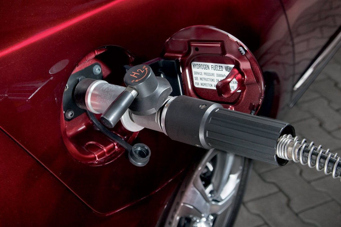 Заправочная горловина водородного автомобиля