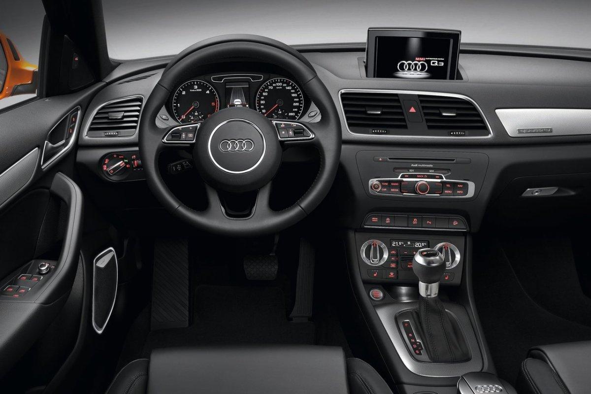 Audi Q3: интерьер