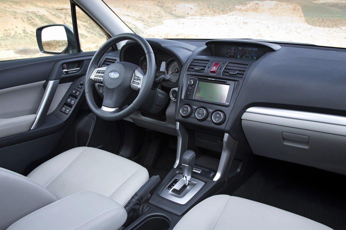 Subaru Forester: интерьер
